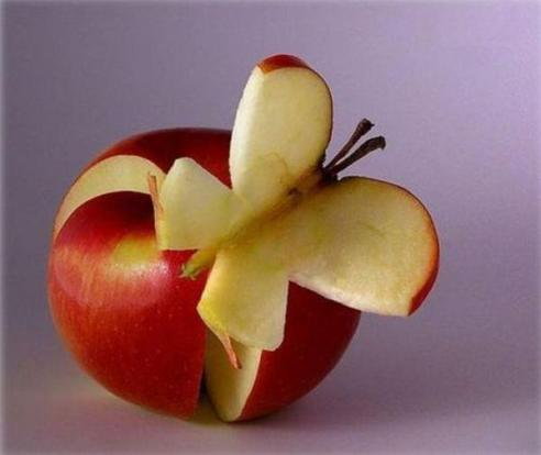 apple cut as butterfly