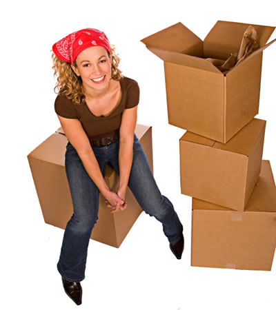 moving-girl-boxes
