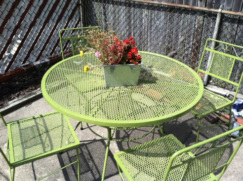 The naked patio table, in all its lime green glory