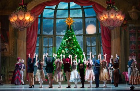 The School of Pennsylvania Ballet Students and Artists of Pennsylvania Ballet in George Balanchine's The Nutcracker™ Photo: Alexander Iziliaev