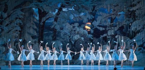 Artists of Pennsylvania Ballet in George Balanchine's The Nutcracker™ Photo: Alexander Iziliaev